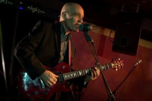 chris-birkett-guitar_500